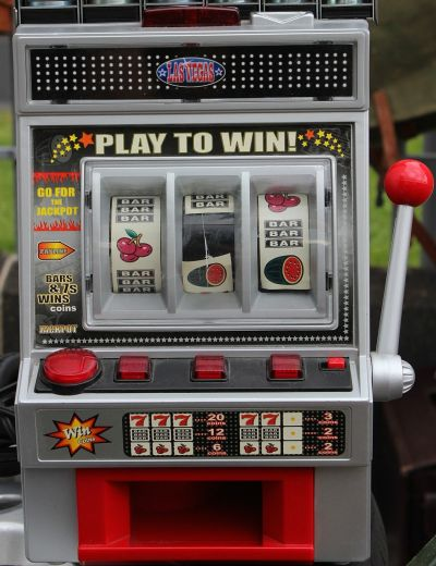 Echter Spielautomat (einarmiger Bandit)